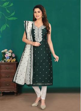 Amusing Green Resham Salwar Suit