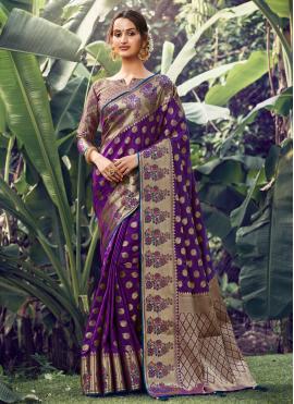 Astonishing Weaving Silk Traditional Saree
