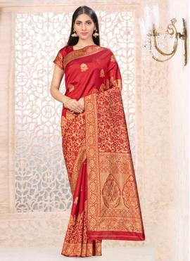 Auspicious Traditional Saree For Ceremonial