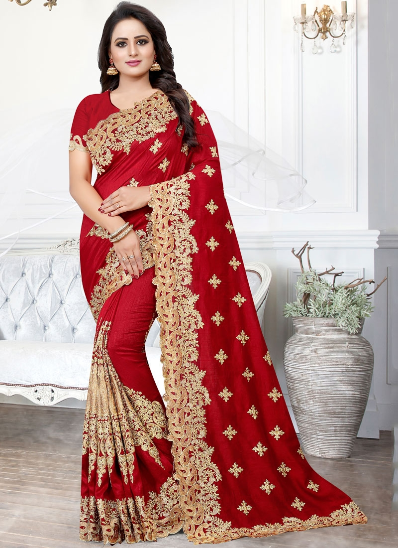 Delightsome Traditional Saree For Party
