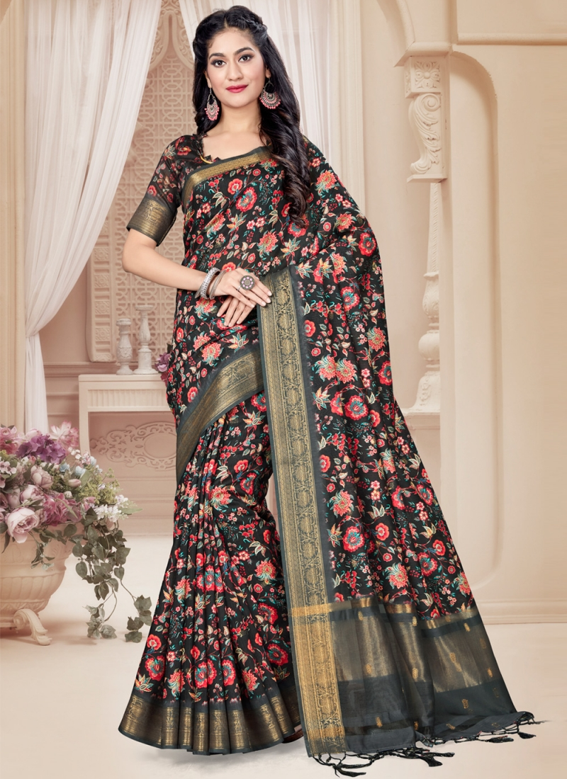 Deserving Printed Saree For Ceremonial