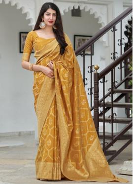 Desirable Weaving Art Banarasi Silk Designer Traditional Saree