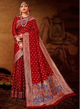 Distinctive Weaving Maroon Designer Traditional Saree