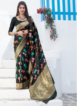 Enchanting Silk Weaving Bollywood Saree