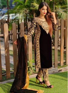 Gripping Embroidered Black Velvet Pant Style Suit