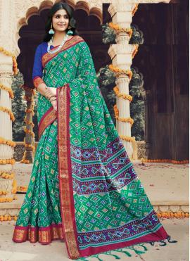 Haute Trendy Saree For Festival