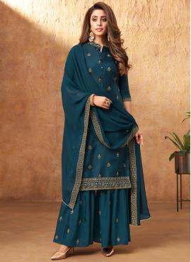Imposing Embroidered Festival Designer Pakistani Salwar Suit