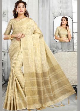 Jacquard Classic Saree in Off White