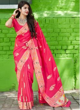 Lavish Classic Saree For Reception