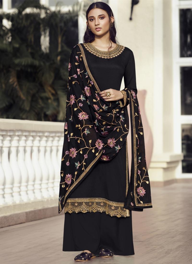 Lovable Resham Designer Pakistani Suit