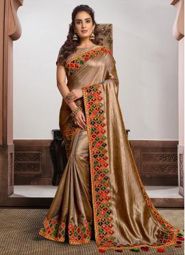 Magnetic Beige and Gold Classic Designer Saree