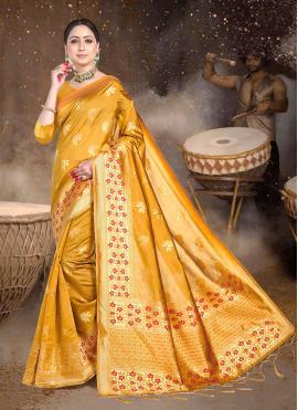 Magnetic Silk Weaving Classic Saree