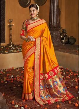 Mesmeric Weaving Silk Traditional Saree