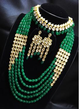 Necklace Set Stone Work in Cream and Green