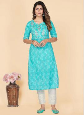 Pleasing Embroidered Casual Kurti