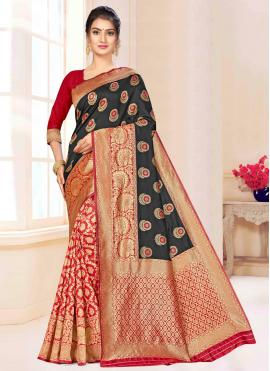 Prominent Banarasi Silk Weaving Traditional Saree