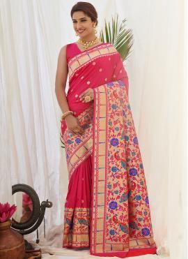Ravishing Weaving Traditional Designer Saree