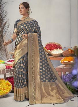 Simplistic Designer Traditional Saree For Ceremonial