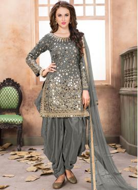 Staring Tafeta Silk Designer Patila Salwar Suit