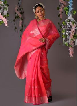 Tantalizing Weaving Traditional Designer Saree