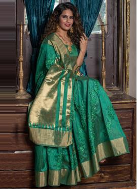 Tempting Weaving Green Silk Designer Traditional Saree