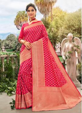 Unique Hot Pink Traditional Saree