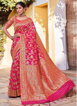 Wonderous Pink Traditional Saree